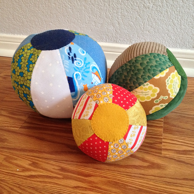 Fabric Beach Balls - Free sewing pattern from the Purl Bee | Mary Makes Pretty