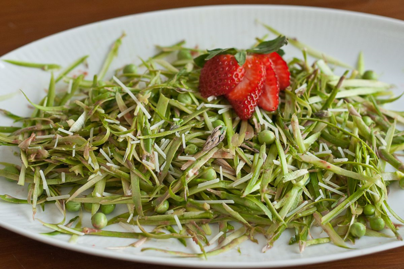 Asparagus Salad with Strawberry Dressing Recipe | Guest Post from Stetted | Mary Makes Dinner