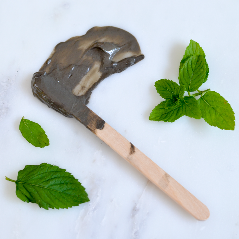 Make Your Own Spearmint Dead Sea Mud Masque (click through for recipe)